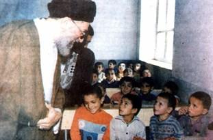 ميزبانی اهالی روستای «اروست»  از مقام معظم رهبری -24 مهر 1374