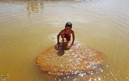 چشمه سورت در یک روز تابستانی