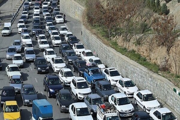 محورهای مازندران برفی و ترافیک است