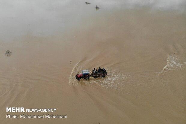 راه برخی مناطق سیل زده مازندران همچنان مسدود است