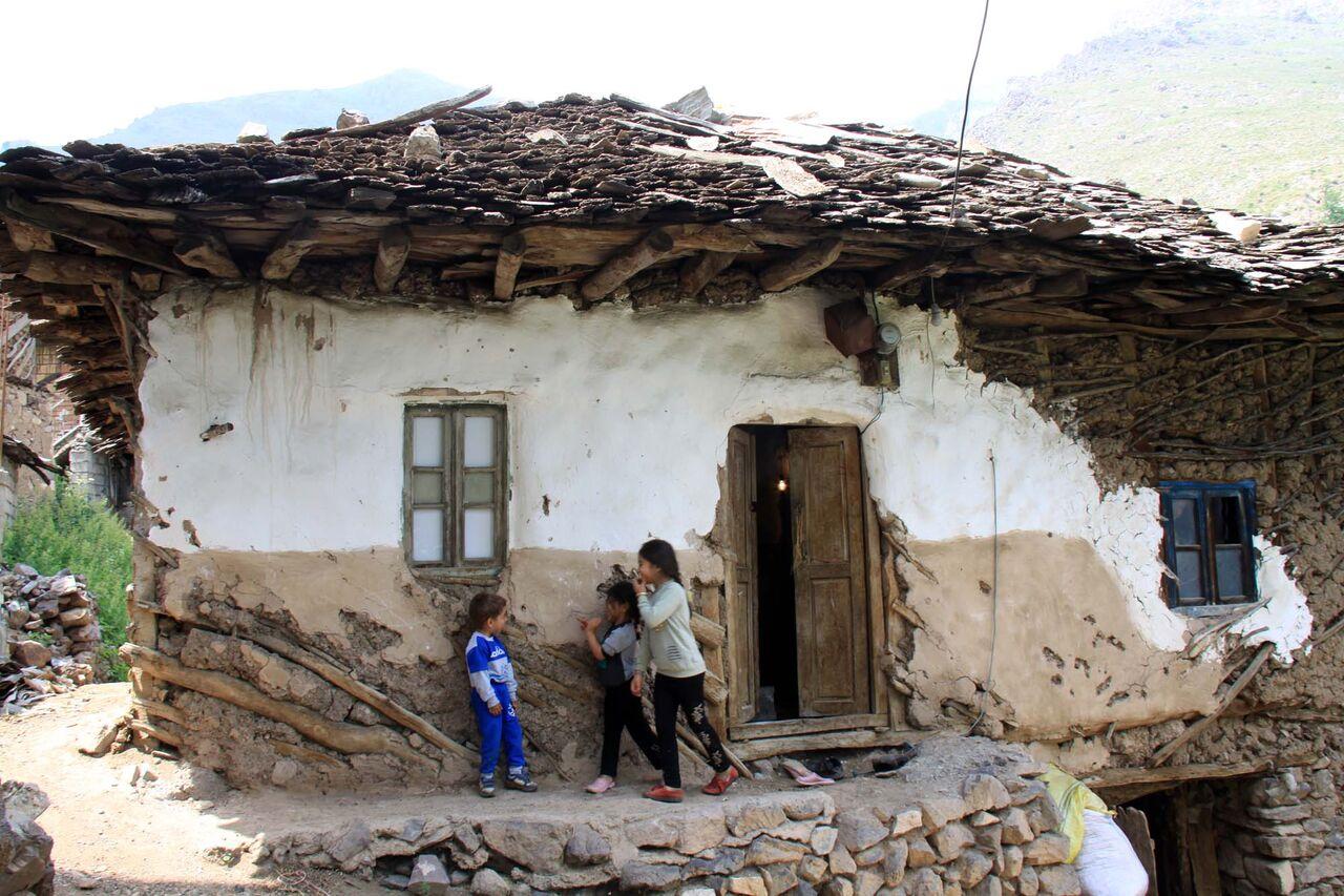 خانه های قدیمی روستای کوهستانی ناتر بخش مرزن آباد چالوس