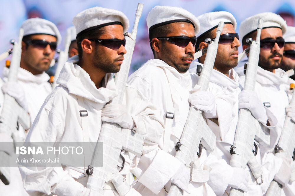 ایسنا-مراسم-رژه-نیروهای-مسلح.jpg