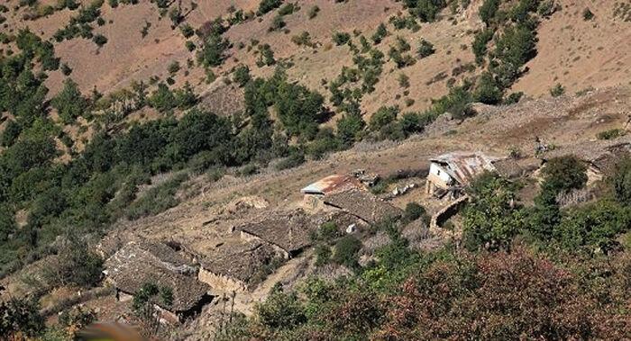 بن-بست-راه-؛-طلسم-نانوشته-برای-روستای-مچر-مرزنآباد.jpg
