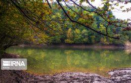 طبیعت پاییزی دریاچهی چورت