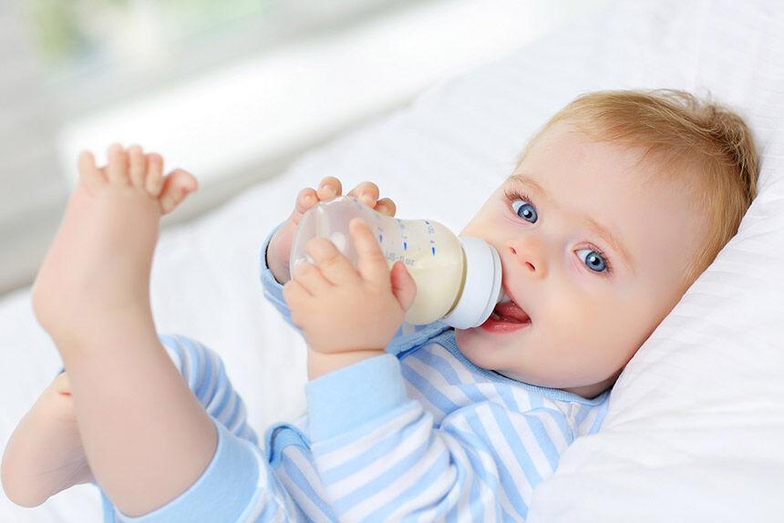 مبارزه با پوسیدگی دندان در کودکان از شیرخوارگی آغاز شود