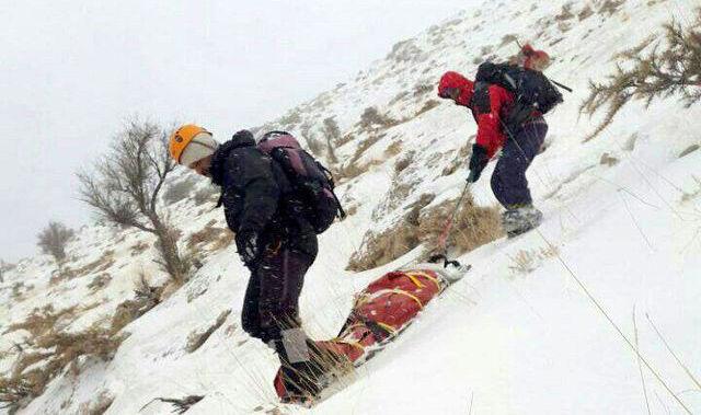 جسد کوهنورد زخمی در علمکوه کلاردشت پیدا شد