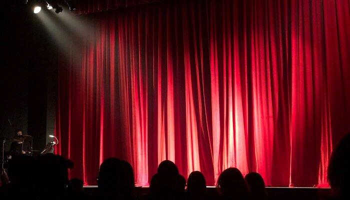 تعطیلی تمامی برنامههای فرهنگی، هنری و سینمایی به مدت یک هفته دیگر تمدید شد