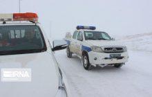 جاده هراز مسدود و تردد در محورها کندوان و فیروزکوه با زنجیر چرخ امکانپذیر است