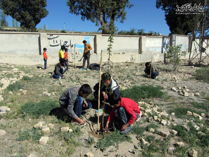 ایجاد آبیاری قطره ای در مدرسه شهید عباسی ومزار روستای اراء و کوات