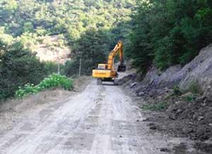 بازگشایی مسیر روستایی ۴ روستای چهاردانگه پس از طوفان هفته گذشته