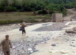خسارت سيل در روستای چهاررودبار + تصاوير