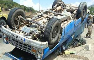 تصادف شدید بین پژو پارس و نیسان در جاده ساری-کیاسر+تصاویر